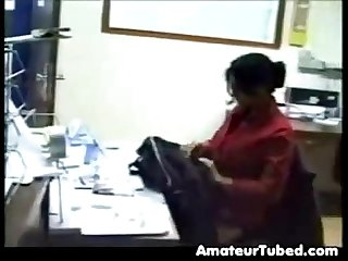 BUSTY INDIAN GIRL FUCK IN OFFICE